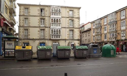 Vista de contenedores en Torrelavega