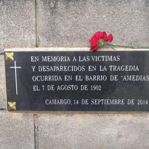 Placa homenaje Desastre de Amedias (Camargo)