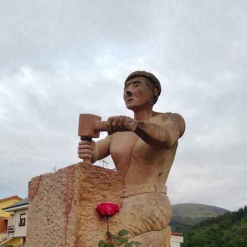 monumento a los canteros (San Felices de Buelna)